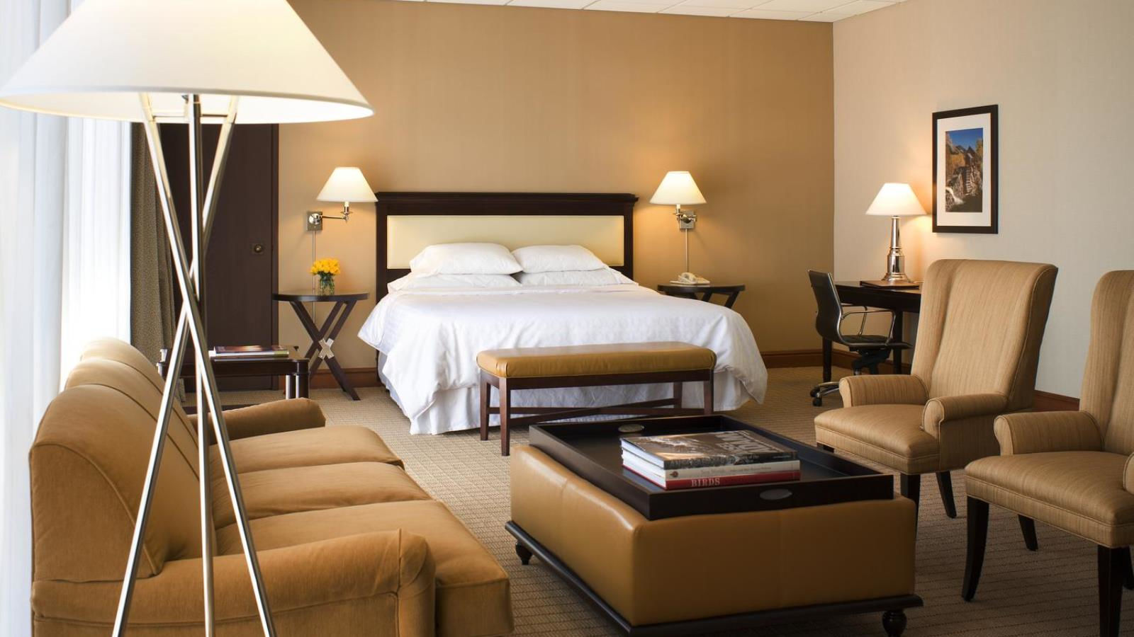 Sheraton Denver West Hotel - Executive Suite